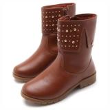 Megaliquida (Calçados e Moda Infantil): até 70% de desconto + 10% de desconto extra na Tricae