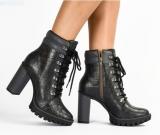 Flash Sale: 75% de desconto em Calçados Femininos na Tanara