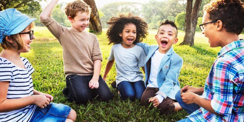 Evite os principais acidentes domésticos com suas crianças.